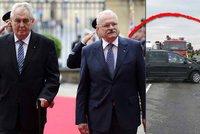 Slovenský exprezident měl bouračku. S limuzínou vyletěl ze silnice do vinice
