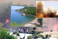 V Turecku evakuují turisty z dovolenkového ráje. Antalya bojuje s požárem lesa