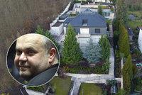 Krejčířovi finta s manželkou nevyšla: Luxusní vila, ze které utekl, skončí v exekuci