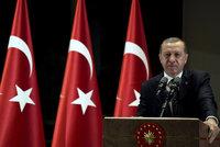 """Turecko zablokovalo WikiLeaks: Web zveřejnil e-maily """"Erdoganovy strany"""""""