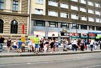 Opakované omezení tramvají u Karlova náměstí: Nejprve směrem k I. P. Pavlova, poté u Albertova