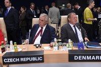 Zeman na summitu NATO vytáhl Rusko: Raketu použijete jen jednou, dialog vícekrát