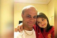 Dívku (8) unesl otec z JAR před školou, schovávají se v Evropě