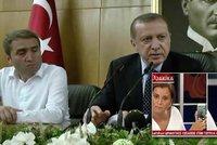 Manévry tureckého prezidenta v hodinách zvratu: Rozhovor přes iPhone, bombardovaný hotel
