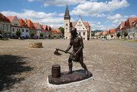 Děsivý výjev v malebném slovenském městečku: Bardejov vztyčil sochu katovi!