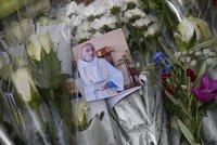 """Francie pohřbí zavražděného kněze. """"Pietní"""" zvony rozezní i české farnosti"""