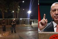 """Turci dál """"čistí"""" zemi: Propustili 15 tisíc lidí, zavřeli 550 institucí"""