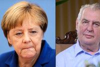 Zeman tepal Merkelovou: Vítání uprchlíků byla chyba, měla by uznat