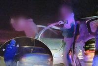 Zběsilá noční honička: Policii ujíždělo auto plné puberťaček, dvě postřelili