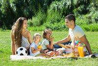 7 tipů pro pohodové stolování pod širákem