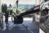 S vrtulníkem natankoval u benzinky: Prostě mi nevyšlo palivo, řekl pilot Igor S.