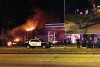 Hořící auta i benzinky a vyrabované obchody. Americké město zažilo noční peklo