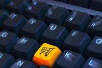 Češi v e-shopech utratili letos průměrně 7730 korun. O 1300 korun víc než loni
