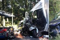 Nehoda čtyř aut u Mladé Boleslavi si vyžádala život řidiče, další dva lidé byli zraněni
