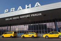 Taxikářský souboj o pražské letiště: Kdo bude vozit cestující dalších pět let?