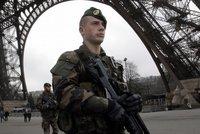 """Stál s nožem pod Eiffelovkou a volal Alláha. """"Chtěl jsem zabít vojáka,"""" přiznal"""