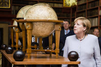 Odpůrci migrantů pokořili stranu Merkelové v zemských volbách. Hlasy brali všem