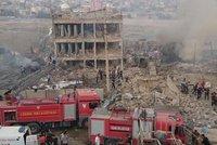 Exploze v Turecku: 11 mrtvých a 78 zraněných po výbuchu u policejní stanice