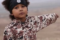 Vyhoď si do vzduchu svoji Eiffelovku: ISIS má hru pro děti, ničí v ní památky