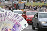 """Zbavte se své """"rachotiny"""", dostanete peníze. Mládek chce v Česku mladší auta"""