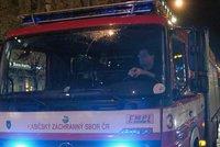 Evakuace hotelu v Praze. Ve 2 ráno ho kvůli úniku chemické látky opustily stovky hostů