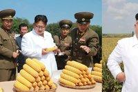 Kim propadl kouzlu kukuřice. Vůdce KLDR se na farmě smál od ucha k uchu