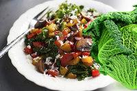 Vraťte do hry strašáka školních jídelen: Podívejte se na netradiční recepty z kapusty!