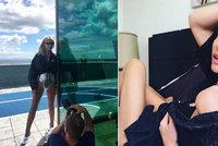 Topmodelka Peštová natáhla síťované punčocháče, roztáhla nohy a pózovala před fotografem