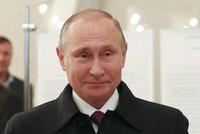 Putin by drtivě vyhrál prezidentské volby, soupeři nemají šanci, tvrdí průzkumy