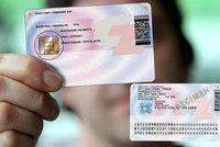 Úřady rozdají občanské průkazy s čipem zadarmo. Platit ale budeme jinde