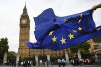 Britové posvětili brexit: Pro odchod z EU hlasovalo skoro 500 poslanců