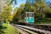 Na Petřín pouze pěšky: Lanovka prochází do půlky března pravidelnou revizí
