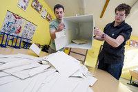 Je poslední možnost napadnout krajské volby. Opakujte je, chtějí v Ústí