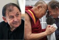 """Politici to """"schytali"""" za dalajlamu. Žantovský: Je to ostuda, škodí Česku"""