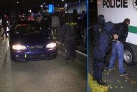 """Nelegální sraz """"tuningářů"""" v Praze: Najíždění na policii i """"očesání"""" služebního auta"""