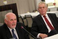 """Zeman varuje Ústavní soud před """"neřešitelnou krizí"""". Změnu systému voleb odmítá"""