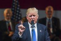 Trump znovu zahrál na uprchlickou strunu. Do voleb v USA zbývá jediný den