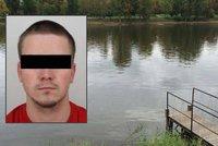 Dva týdny po Honzovi pátrali marně, jeho tělo vydala až řeka: Pro jeho rodinu pořádají místní sbírku