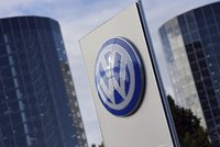 Volkswagen hromadně propustí 30 tisíc lidí. Hrozí vyhazovy i v Česku?