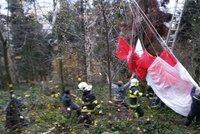 U Švihova havarovala paraglidistka: Zachytila se v elektrickém vedení