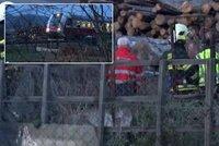 Mladá žena si sedla na koleje před přijíždějící vlak: Strojvedoucí neměl šanci vlak ubrzdit