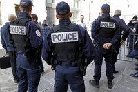 """Francie zatkla 11 lidí kvůli masakru v Nice. Pomáhali řidiči """"kamionu smrti""""?"""