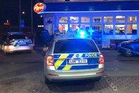 Mladík na Silvestra přepadl benzinku se sekyrou v ruce: S ukradenými penězi chtěl hrát automaty
