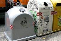 Po Praze přibývá šedých nádob na kovový odpad: Co všechno do nich patří?