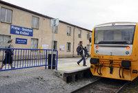 Vlaky v Praze stojí. Mimo provoz jsou spoje ze Smíchova na hlavní nádraží