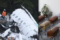 Letadlo smrti mělo zpoždění při startu a nestihlo dotankovat, hledali videohru!