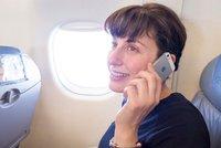 "Hovor z dovolené do pěti korun, SMS za 1,5 koruny: Europoslanci zastropovali ""roaming"""