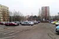 První nové P+R parkoviště v Praze vznikne v únoru. Zaparkuje tu 144 aut