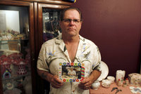 """Tělo matky darovali na výzkum """"Alzheimera"""". Místo toho se na něm vyřádila armáda"""
