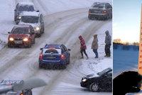 Extrémní mrazy v Česku: Na Kvildě je minus 28 °C, posypy přestávají fungovat